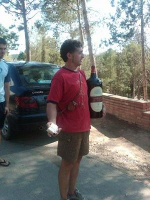 20110329094201-pito-vino.jpg